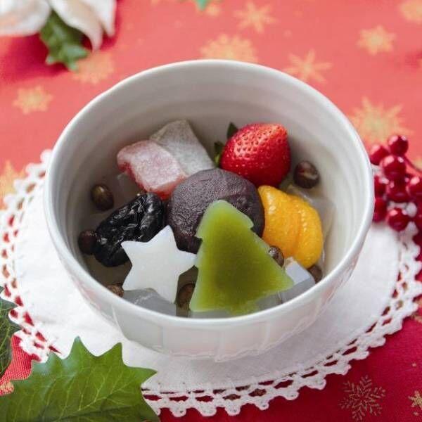 船橋屋の「クリスマスフルーツあんみつ」ツリー型の抹茶羊羹&スター型のくず餅