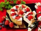 パブロ「いちご大福チーズタルト」粒あんクリームと苺をモチモチ食感で、ミニサイズも登場