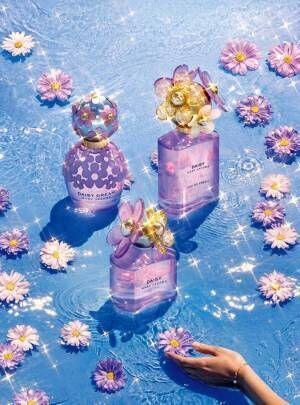 """マーク ジェイコブス人気香水「デイジー」""""太陽&オアシス""""から着想した限定コレクションに"""