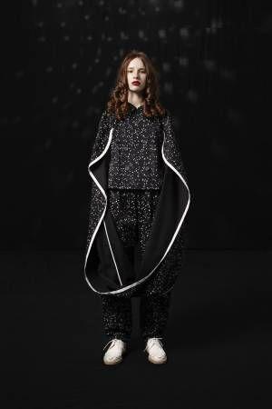ミヤオ 2018年春夏コレクション - 「夜を旅する服」星とネオンサインが照らす漆黒の世界