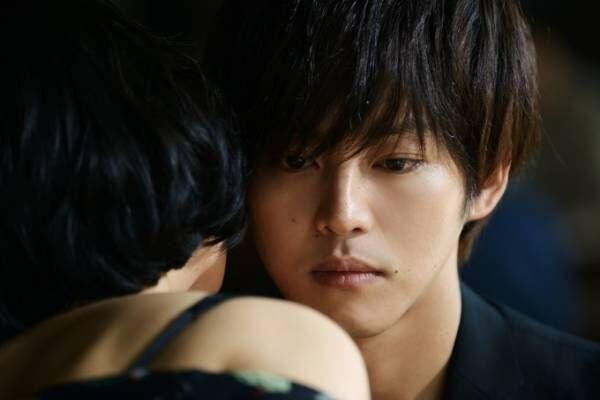 映画『娼年』松坂桃李、女性の欲望に触れ成長する娼夫に - 石田衣良の恋愛小説を実写化
