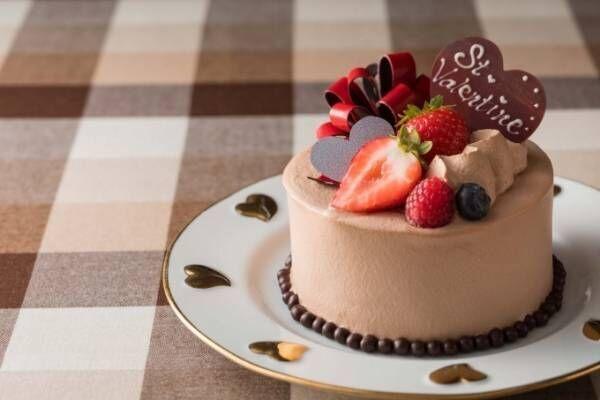 横浜ベイホテル東急のバレンタイン - ハートとリボンを飾ったチョコケーキ&地元の素材を使った生チョコ