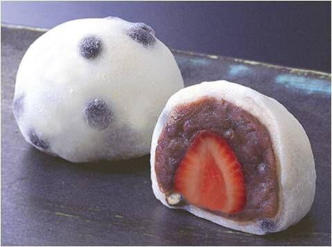大丸東京店のいちご大福フェア、ジューシーなとちおとめと練乳入りのふわふわ餅の大福など