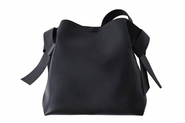 アクネ ストゥディオズの「Musubi」バッグに新サイズ&カラー - 着物の帯揚げに着想