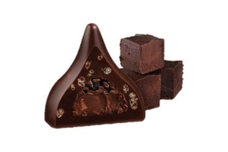 キスチョコ、2倍の大きさの「キスデラックス」新作 - チョコファッジクリーム入りの濃厚な味わい