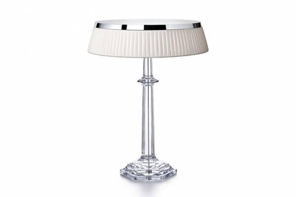 バカラ、フィリップ・スタルク&照明ブランド「フロス」とコラボしたランプ