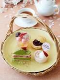 アフタヌーンティー・ティールーム春限定スイーツセット、桜パフェや苺ロールケーキ - パンやギフトも
