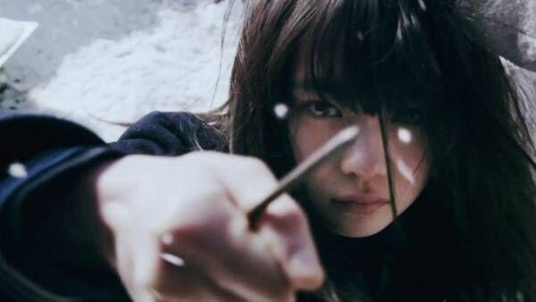 漫画『ミスミソウ』が実写映画化、壮絶ないじめを受けた少女の復讐劇を描くトラウマサスペンス