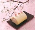 大丸東京店に春限定の桜スイーツ全100種集結、桜の塩漬けを飾った和風ロールケーキや花びらクッキーなど