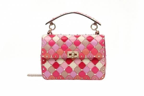 ヴァレンティノからギンザ シックス1周年限定バッグ&iPhoneケース、桜色×スタッズ