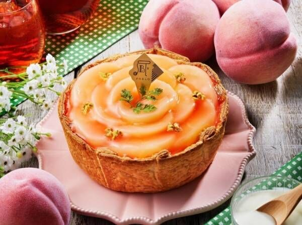 「パブロのチーズタルト‐ピーチピクニック‐」花びらのように敷き詰めたジューシーな国産白桃
