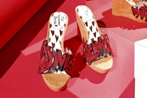 三浦大地×ランダのコラボサンダル、真っ赤なハートの刺繍を散りばめたウェッジソールなど