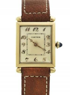 カルティエの腕時計「タンク」の貴重なヴィンテージモデル、コム デ ギャルソン青山店で展示販売