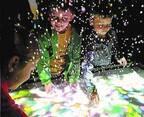 「魔法の美術館 光と遊ぶ、真夏のワンダーランド」山梨県立美術館で、音や光を操る体験型アート展