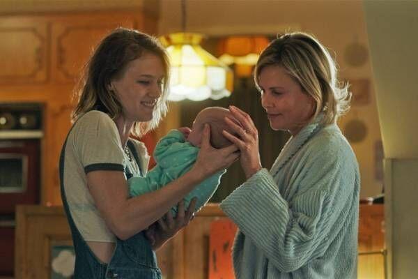 映画『タリーと私の秘密の時間』シャーリーズ・セロン18キロ増量、母親とベビーシッターの絆を描く