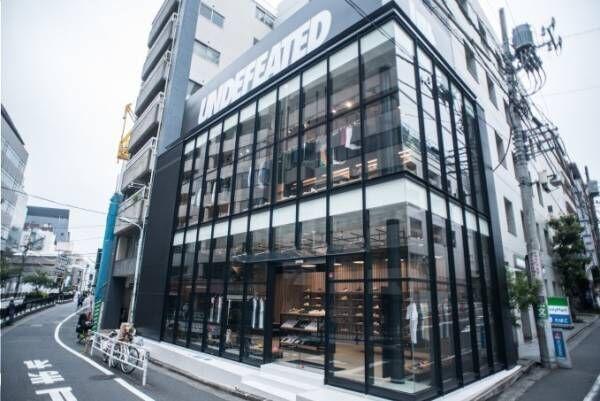 スニーカーショップ「アンディフィーテッド」渋谷・神宮前に、オープン記念限定Tシャツなど