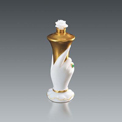 「ヴィンテージ香水瓶と現代のタピスリー さまざまなデザイン」展、資生堂アートハウスで開催