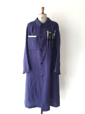 サイ マーカンタイル×河内洋画材料店「ペインターコート」筆を収納できるポケット付きのリネンコート