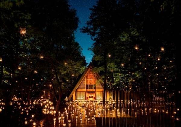 「サマーキャンドルナイト 2018」軽井沢高原教会で、無数のキャンドルが灯される幻想的な空間
