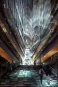 """表参道ヒルズのクリスマスイルミネーション、約6,000本の""""つらら""""から成る光のカーテン&オーロラ"""