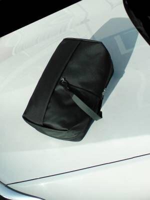 タトラス×コート・エ・シエルのバックパック、ブランドネーム入りストラップが目を引くバッグ
