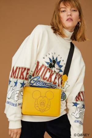 マウジー「ミッキーマウス」をフィーチャーしたパーカーやクラッチバッグを発売