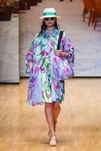 ユキ トリヰ インターナショナル  19年春夏コレクション - 花々が彩るロマンチックなサマードレス