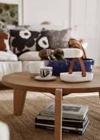 """マリメッコの新作ホームコレクション - 北極キツネ&""""チーズかび""""模様のマグカップやクッションカバー"""