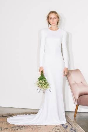ステラ マッカートニー初のブライダルコレクション、背中開きウェディングドレス&白タキシードなど