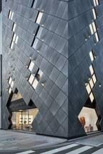 ボッテガ・ヴェネタアジア最大の旗艦店が東京・銀座にオープン、白黒のホームアイテム&雑貨を先行販売