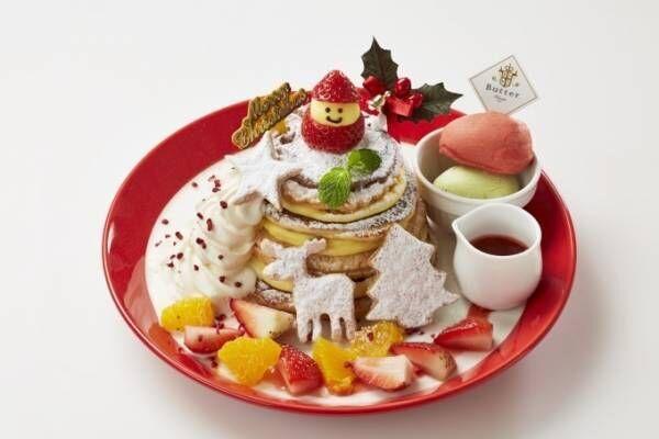 """パンケーキ専門店バター""""クリスマスツリー""""のようなパンケーキタワー、苺の雪だるまを飾って"""