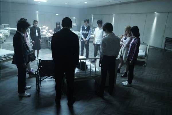 映画『十二人の死にたい子どもたち』堤幸彦監督で実写化、未成年12人が繰り広げる密室サスペンス