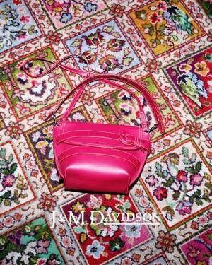 J&M デヴィッドソン19年秋冬バッグ、人気の巾着型「カーニバル」はロングフリンジに進化