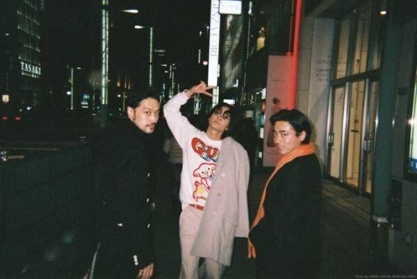 山田孝之、綾野剛、内田朝陽のバンド「THE XXXXXX(ザ・シックス)」初のワンマンライブ開催