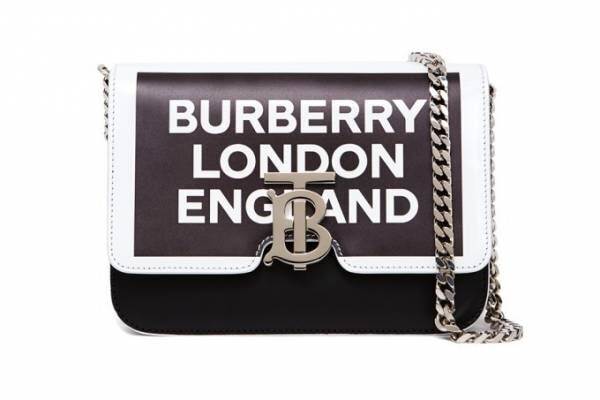 バーバリーのウィメンズ新アイコン「TB バッグ」に、リカルド・ティッシ手掛ける19春夏の新作