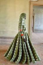 1 モンクレール ピエールパオロ・ピッチョーリ 19年秋冬 - ダウンがボリューミーなドレスに