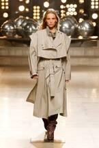 イザベル マラン  2019-20年秋冬コレクション - 80'sファッションのタイムレスな美しさ