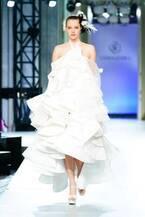 ユミカツラ 2019年ウエディングコレクション - 吉田沙保里がドレス姿で登場、新作80点を披露