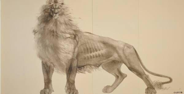 現代水墨画家・山岸千穂の個展「前へ」銀座で、勇ましい獅子を描いた大型屏風作品など