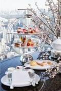 ザ・リッツ・カールトン東京「桜アフタヌーンティー」桜とチェリーのシュークリームなど