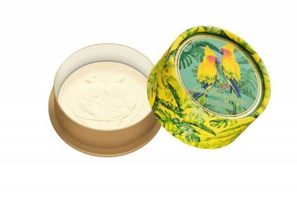 レ・メルヴェイユーズ ラデュレ「南国の鳥」のボディケア、トロピカルな香りが続くサラサラパウダー