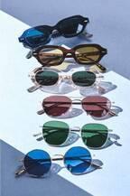 オリバーピープルズ×ザ・ロウのアイウェア、新作&過去モデルが恵比寿コンティニュエで発売