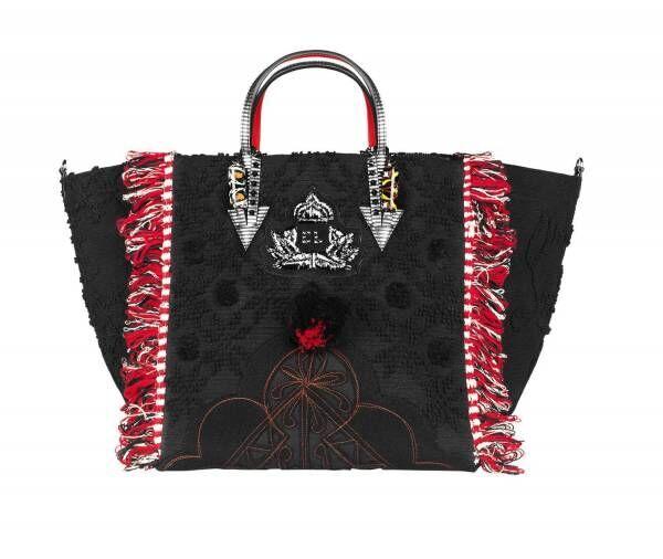 クリスチャン ルブタンの新作バッグ「ポルトガバ」ポルトガルの伝統衣装がベース&鮮やかなタッセルも