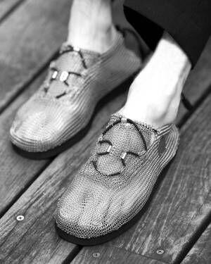 フット ザ コーチャーのステンレス鋼メッシュシューズ、靴下のように柔らかい履き心地
