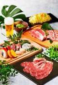 「森の中のビアガーデン」東京で開催、国産牛サーロインやアワビなど高級食材を緑豊かな開放空間で