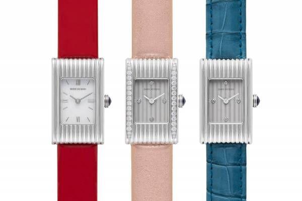 ブシュロンの腕時計「リフレ」日本限定ストラップ、レッド・ローズ・ブルーの付け替え可能な3色