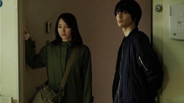 映画『見えない目撃者』吉岡里帆主演スリラー、視力を失った元女性警官が猟奇殺人の真相に迫る