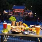 八坂神社や京都タワーなどを一望するビアガーデン、京都・祇園にオープン - 16種のビール&BBQ