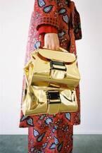 """ズッカのバックルバッグに""""メタリック""""の新色、シルバー&ゴールド&ピンクの3種"""