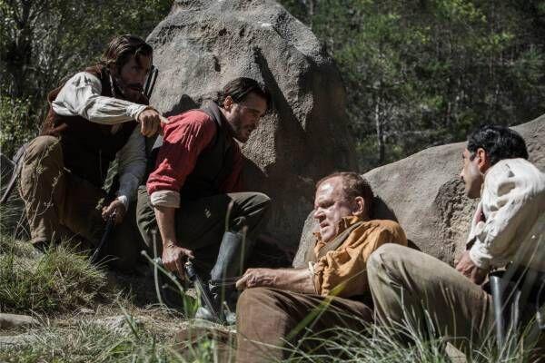 映画『ゴールデン・リバー』ジェイク・ギレンホールら豪華俳優陣による一攫千金ウェスタンサスペンス